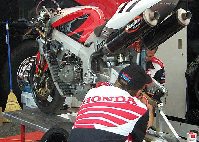 10829d1186630292-pics-rc51-ama-bikes-everybody-now-post-up-those-pics-p0005310.jpg